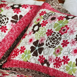 [Eranthe] Cotton 3PC Floral Vermicelli-Quilted Printed Quilt Set (Full/Queen Size)