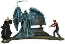 Harry Potter Harry Potter vs. Lord Voldemort Graveyard Duel with Riddle Family Grave Diorama