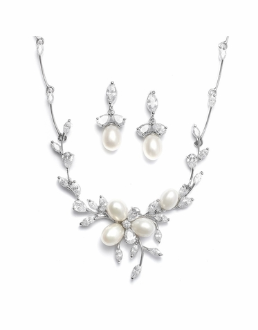 Elegant Freshwater Pearl And Zirconia Necklace Set