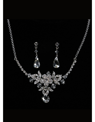 En Vogue Bridal Necklace & Earring Set NL1010