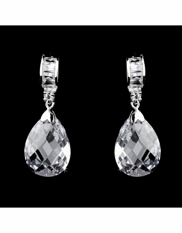 CLEARANCE: Stunning Cubic Zirconia Dangle Earrings - One Pair Left!
