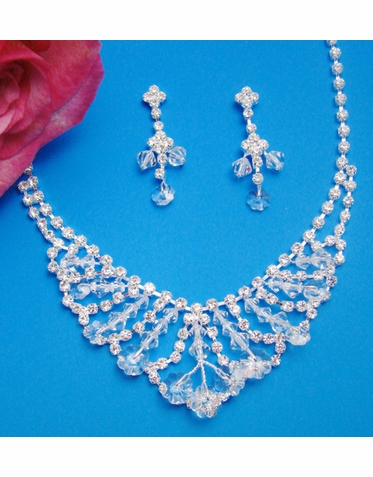 CLEARANCE: Stunning Crystal Jewelry Set
