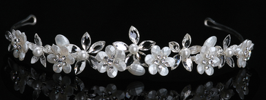 En Vogue Bridal Crystal & Pearl Tiara 1017