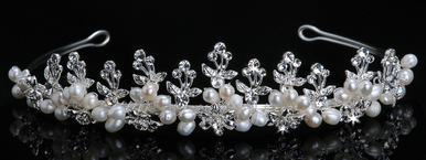 En Vogue Bridal Crystal & Pearl Tiara T706