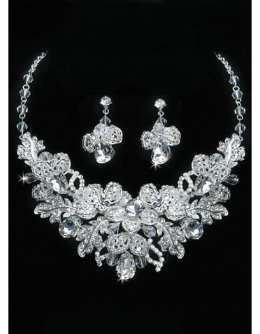 En Vogue Bridal Necklace & Earring Set NL1102