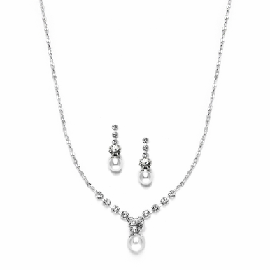 Dainty Pearl And Sparkling Crystal Necklace Set