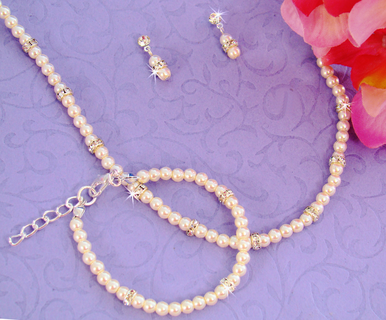 Ivory Pearl Jewelry Set - Necklace, Bracelet and Earrings