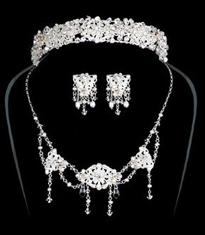 Special Collection Matching Pearl and Crystal Bunch Headpiece and Jewelry Set