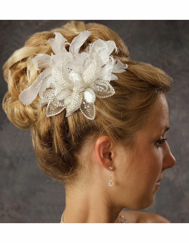 Elegant Pearl and Feather Hair Clip 8005