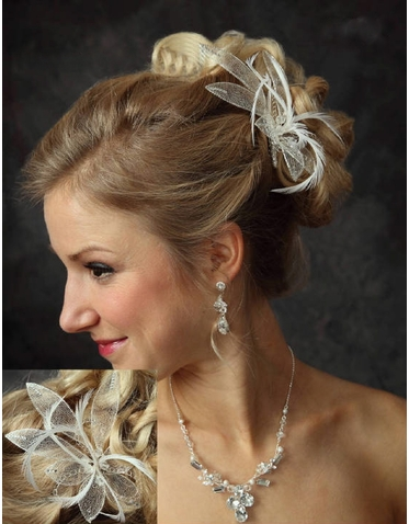 Whispy Mesh Flower Comb with Feathers 7039