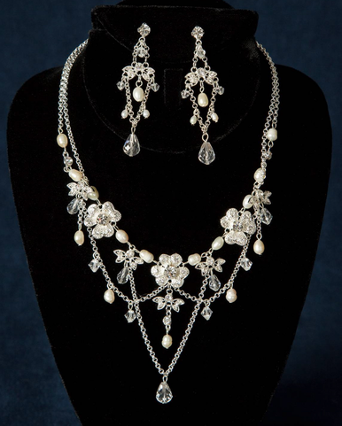 Dramatic Freshwater Pearl and Crystal Jewelry Set 8074EN