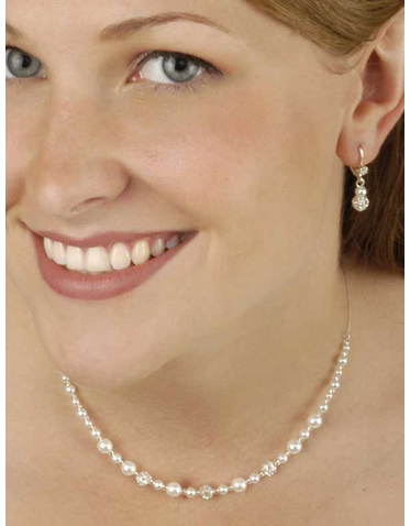 Graceful Pearl Jewelry Trio in White with Silver