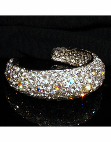 Stunning Crystal Bracelet with Domed Shape