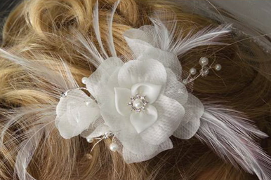 Ivory Silk Flower & Feather Comb with Pearl Sprays 2937