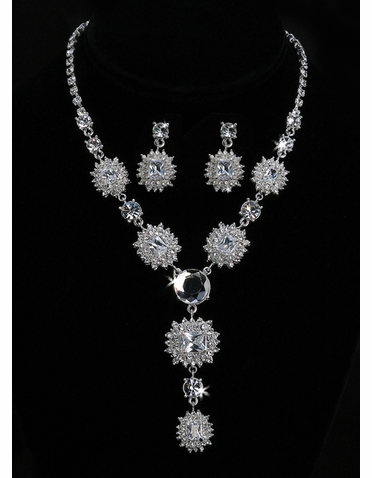 En Vogue Bridal Necklace & Earring Set NL1008