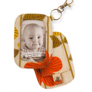 Ore Twiggy Flower Photo Brag Tag