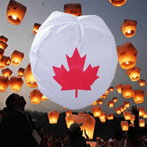 CANADA FLAG FLYING LANTERNS: 10-PACK