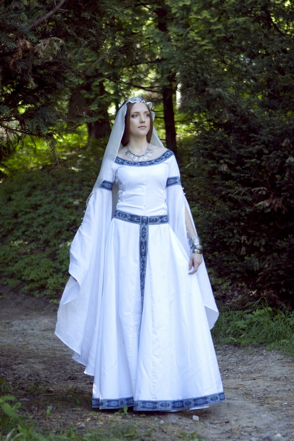 Swan Medieval Wedding Dress