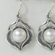 Pearl jewelry | pearl earrings | silver earrings