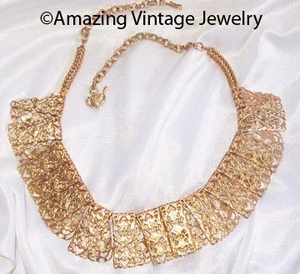 CHANTILLY LACE Necklace