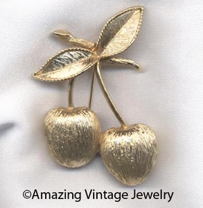 GOLDEN CHERRIES Pin