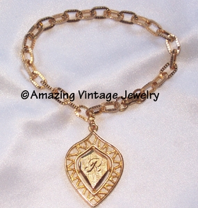 GOLDEN SHIELD Bracelet - R