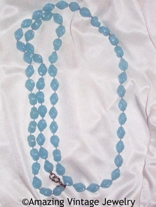 HOLIDAY BEADS Necklace - Light Blue