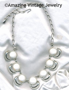 BOLD 'N BEAUTIFUL Necklace - White