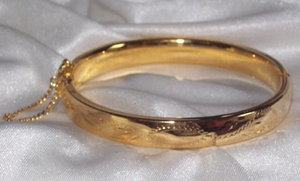 GOLDEN BANGLE Bracelet