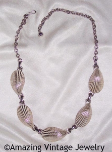 COCKLE SHELLS Necklace