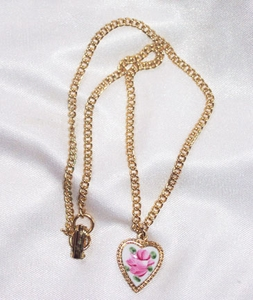 LITTLE SWEETHEART Emmons necklace