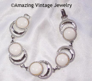 BOLD 'N BEAUTIFUL Bracelet - White