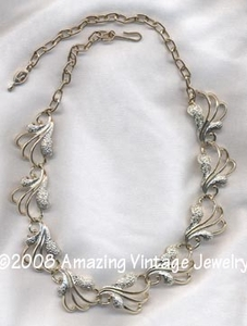 FROSTED FEATHERS Necklace