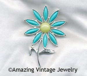DAISY TIME Pin