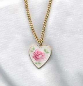 HEARTS AND FLOWERS Necklace - White