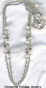 FILIGREE LADY Necklace - Silvertone
