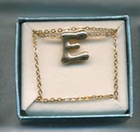 "SCHOOL DAYS Necklace ""E"""