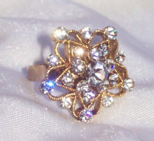 Goldtone Ring with Clear Rhinestones