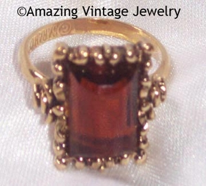 SARAH COVENTRY Antiqued Goldtone Ring w/Topaz Rhinestone