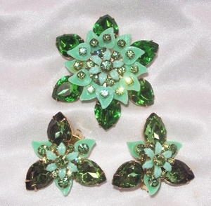 Green Rhinestone Pin & Earrings