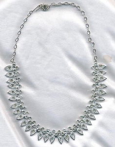 CRYSTAL SNOW FLAKES Necklace