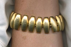Heavy Goldtone Links Bracelet
