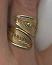 CARESS Ring - Goldtone