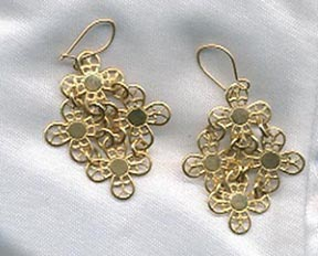 GOLDEN PETALS Earrings - Pierced