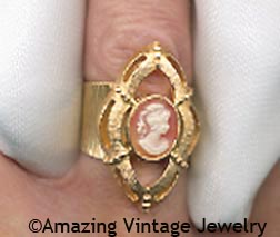 CAMEO PORTRAIT Ring