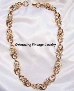 SARAH COVENTRY Old goldtone Necklace w/Clear RS