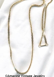 BOSTONIAN CLASSIC Necklace Goldtone