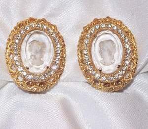 PARK LANE Cameo Earrings