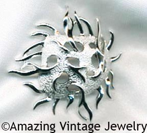SEA URCHIN Pin - Silvertone