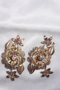 Large Goldtone Earrings w/AB